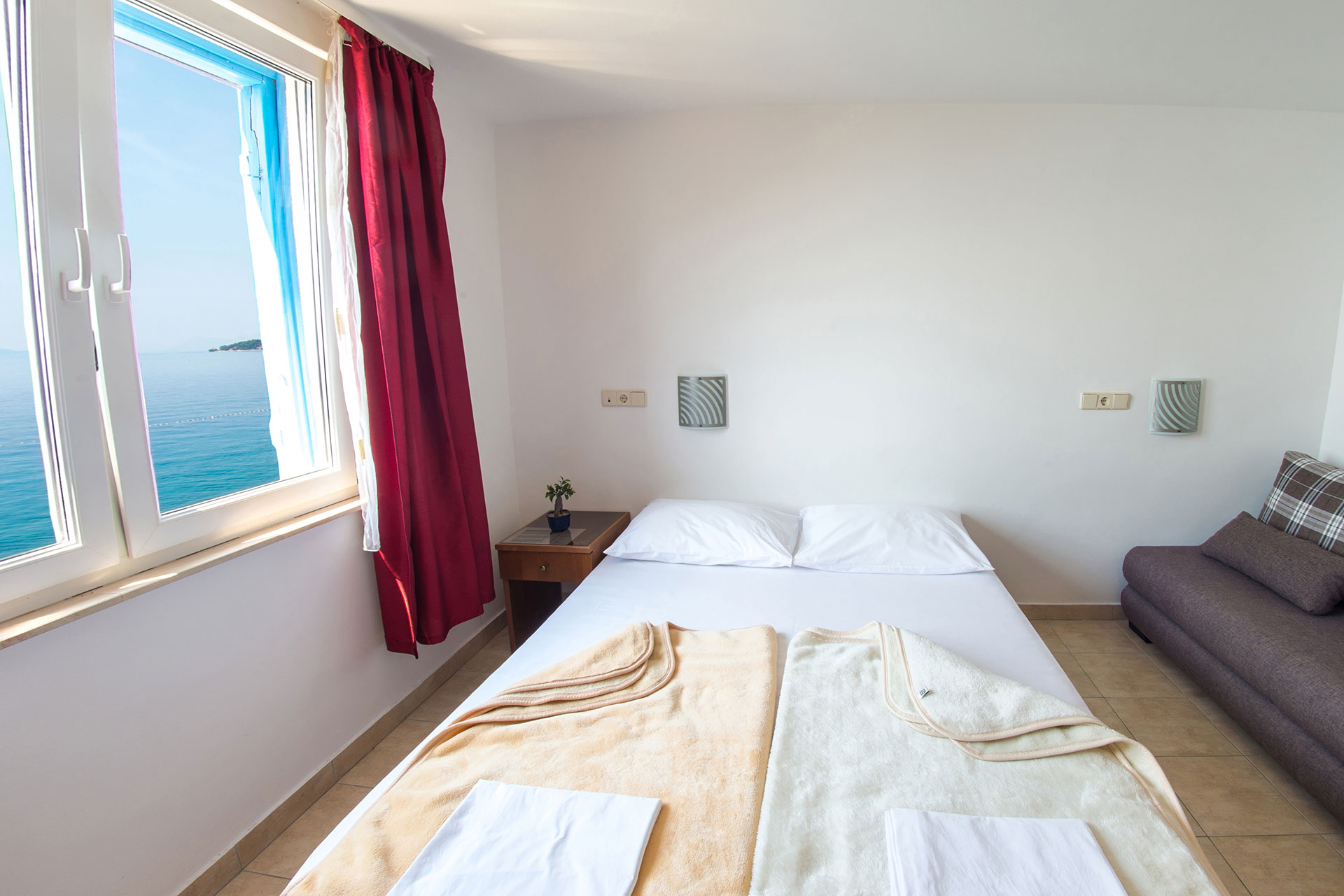 standard room beach hotel croatia